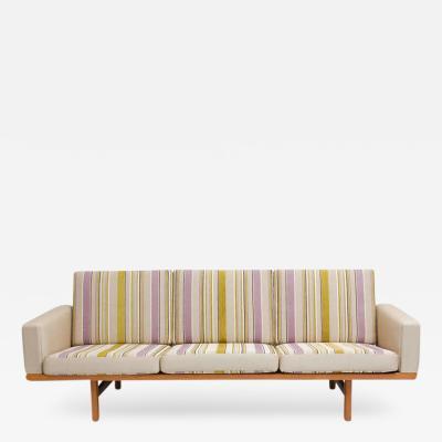 Hans Wegner Hans Wegner GE 236 Sofa