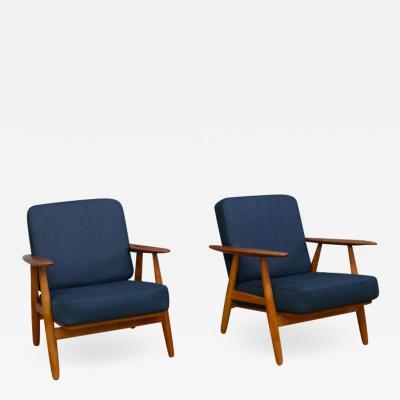 Hans Wegner Hans Wegner GE 240 Cigar Chairs A Pair