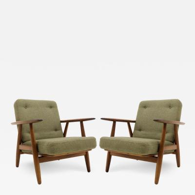 Hans Wegner Hans Wegner Lounge Chairs Model GE 240