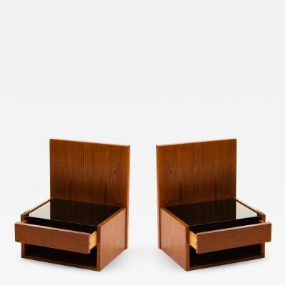 Hans Wegner Hans Wegner Pair of Floating Nightstands in Teak with Glass for Getama 1960s
