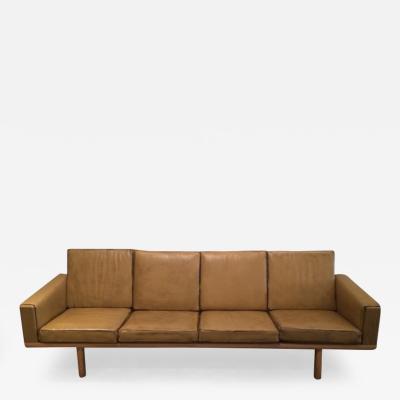 Hans Wegner Hans Wegner Sofa