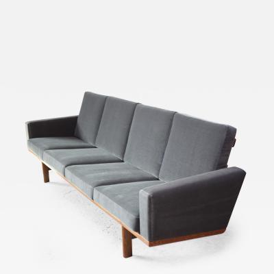 Hans Wegner Hans Wegner for GETAMA Sofa in Oak and Velvet