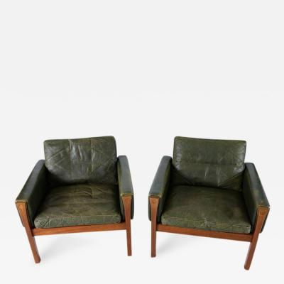 Hans Wegner Pair of Hans Wegner AP 62 Lounge Chairs