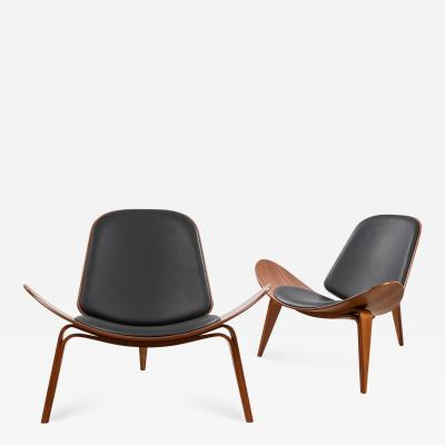 Hans Wegner Pair of Hans Wegner Shell Chairs