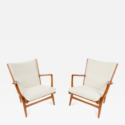 Hans Wegner Pair of Lounge Chairs