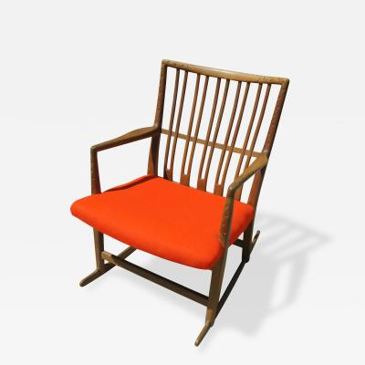 Hans Wegner Rare Early ML 33 Oak Rocking Chair with Carvings by Hans Wegner