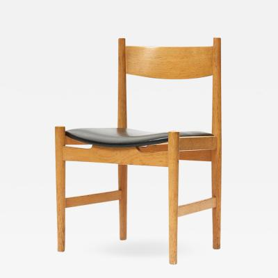 Hans Wegner Set of Eight Oak Dining Chairs by Hans J Wegner
