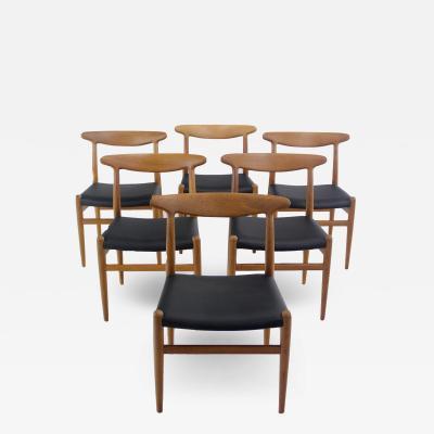 Hans Wegner Set of Six Classic Scandinavian Modern Oak Dining Chairs Designed by Hans Wegner