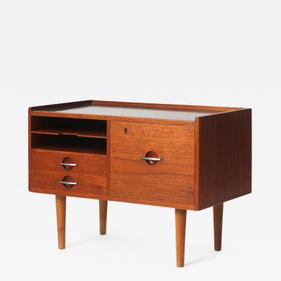 Hans Wegner The Telephone Table