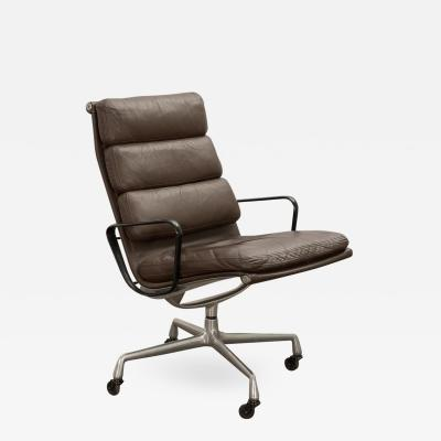 Herman Miller Eames Soft Pad Executive Leather Office Chair