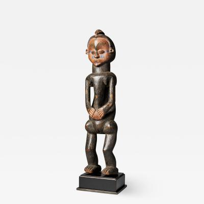 Holo People DRC Female Holo statue Mvunzi with traces of Polychrome