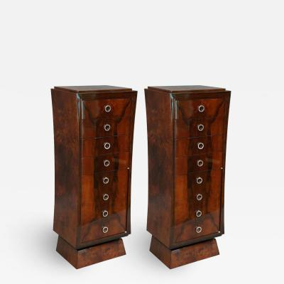 Hungarian Art Deco Chest of Drawers in Walnut
