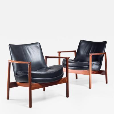 Ib Kofod Larsen Ib Kofod Larsen Pair Elizabeth Lounge Chairs Denmark 1970s