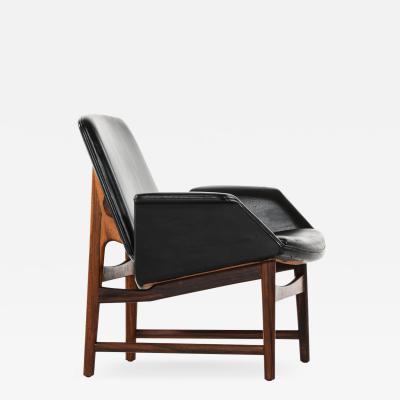 Illum Wikkels Easy Chair Model 451 Produced by Aarhus Polstrerm belfabrik