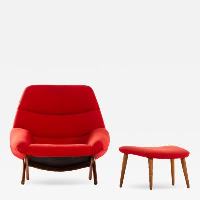 Illum Wikkels Easy Chair Model ML 91 with Stool Produced by Michael Laursen