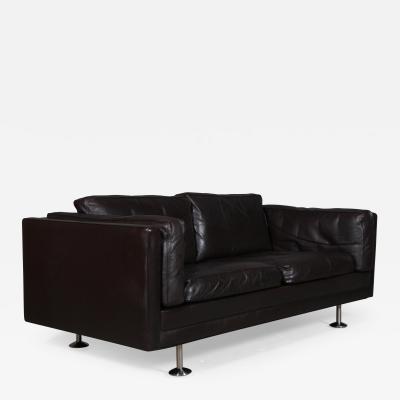 Illum Wikkels Illum Wikkels Freestanding 2 person leather sofa