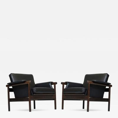 Illum Wikkels Illum Wikkels by Koefoeds M belfabrik Wiki Rosewood Black Leather Chairs