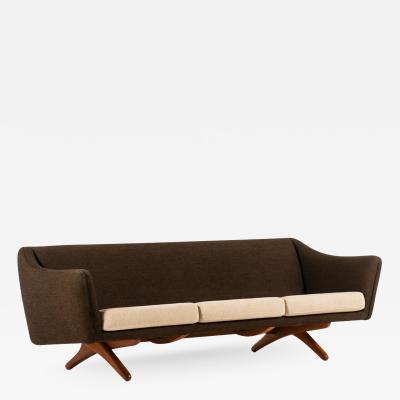 Illum Wikkels Sofa Model ML 140 Produced by Michael Laursen