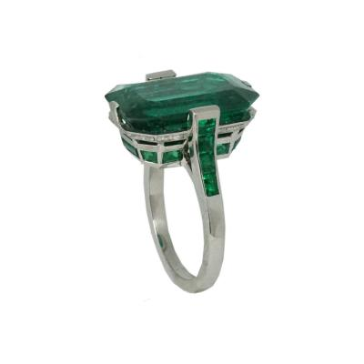 Important Emerald Ring