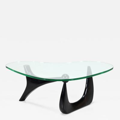 Isamu Noguchi Isamu Noguchi MidCentury Coffee table in ebonu and glass 1950s