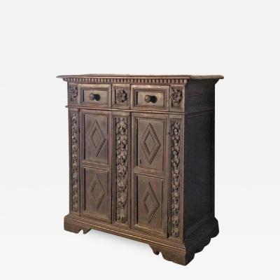 Italian 17th century Baroque walnut Credenza or Small Cabinet