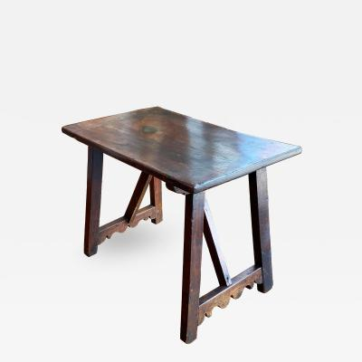 Italian Walnut Occasional table Circa 1760