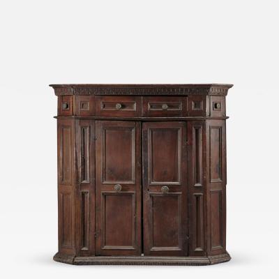 Italian early 17th century Baroque armadio Cabinet