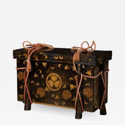 Japanese lacquer and gilt karabitsu storage trunk of large size