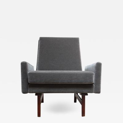 Jens Risom Early Jens Risom Walnut and Mohair Lounge Chair