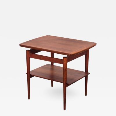Jens Risom Jens Risom T 490 End Table with Shelf