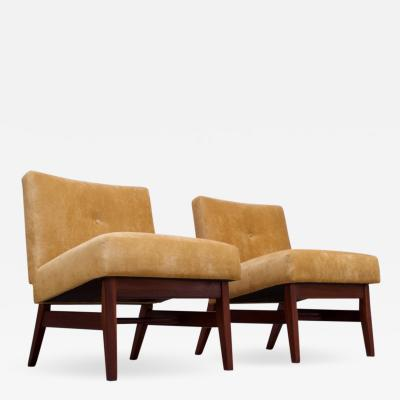 Jens Risom Midcentury American Modern Walnut and Velvet Slipper Chairs