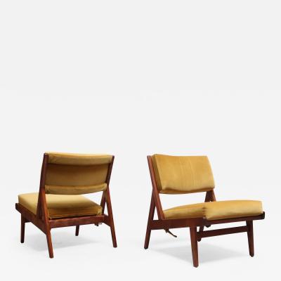 Jens Risom Pair of Jens Risom Low Lounge Chairs Model U 431 in Walnut and Velvet
