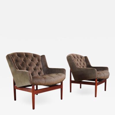 Jens Risom Pair of Jens Risom Walnut Floating Lounge Chairs in Olive Velvet