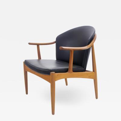 Johannes Andersen Scandinavian Modern Armchair Designed by Johannes Andersen