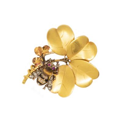 Late 1800s French Art Nouveau Bumble Bee 4 Leaf Clover 18k Gold Diamond Brooch