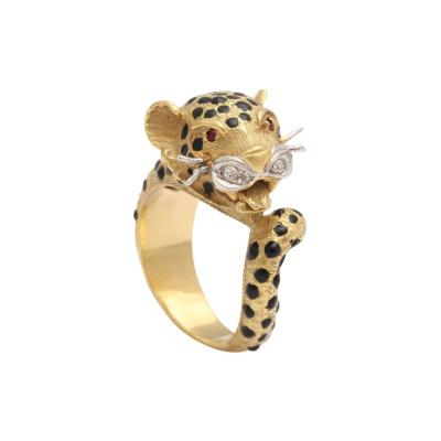 Leopard 18 kt Gold Ring with Diamond Whiskers and Ruby Eyes