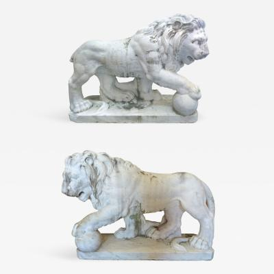 Lifesize 19th Century Pair of Italian Classical Marble Lion Statue Sculptures