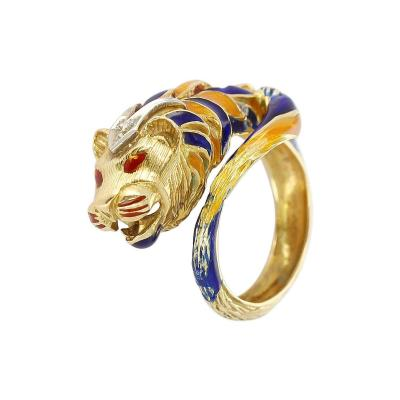 Lion Enamel Ring with Diamonds in 18 Karat Yellow Gold