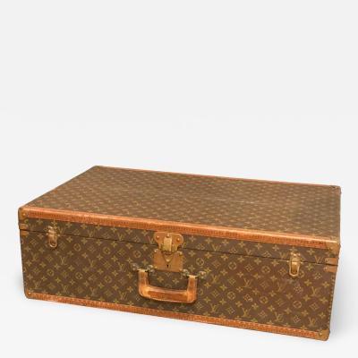 Louis Vuitton Louis Vuitton Suitcase in the Iconic Monogram Canvas