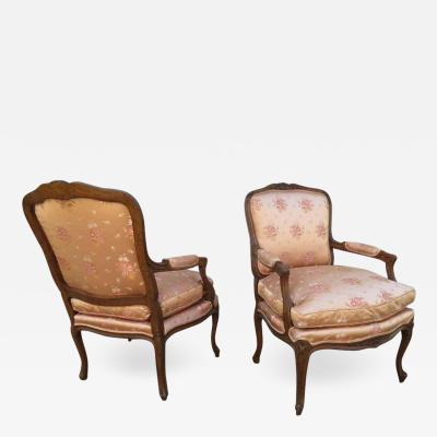 Lovely Pair of 20th Century French Louis XV Berg re Chairs