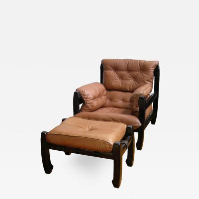 Luciano Frigerio 1970s Very Rare Italian Design Samuray Armchair and Ottoman by Luciano Frigerio