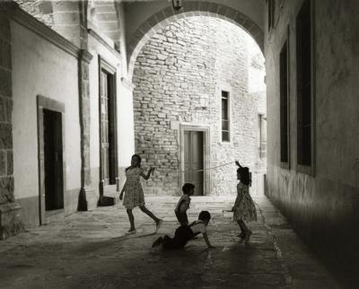 Manuel Carrillo Manuel Carrillo Untitled kids playing in doorway Mexico c 1960