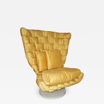 Marzio Cecchi 1970s Marzio Cecchi Italian Vintage Iconic Gold Yellow Silk Swivel Armchair
