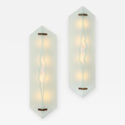 Max Ingrand Rare Pair of 2443 Sconces by Max Ingrand for Fontana Arte