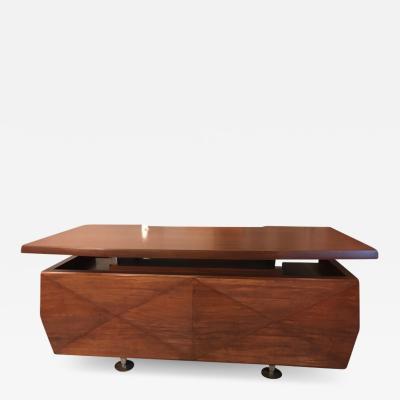 Melchiorre Bega Melchorre Bega desk