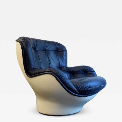Michael Cadestin Karate Chair