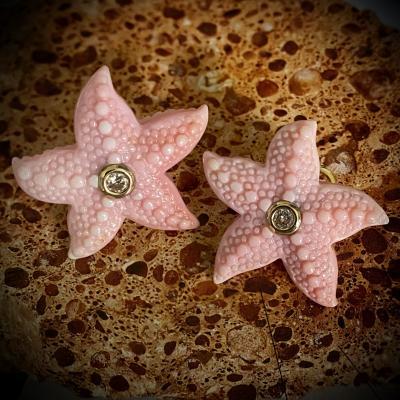 Michael Kneebone Michael Kneebone Diamond Carved Conch Shell Starfish Button Earrings