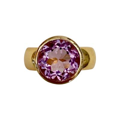 Michael Kneebone Michael Kneebone Lavender Spinel 18 Karat Gold Leah Ring