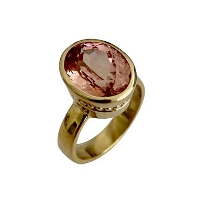 Michael Kneebone Michael Kneebone Morganite 18k Yellow Gold Leah Ring
