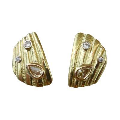 Michael Kneebone Michael Kneebone White Champagne Diamond 18 Karat Gold Shell Fragment Earrings